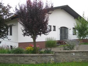 kradenbach_haus_eingang_vorne